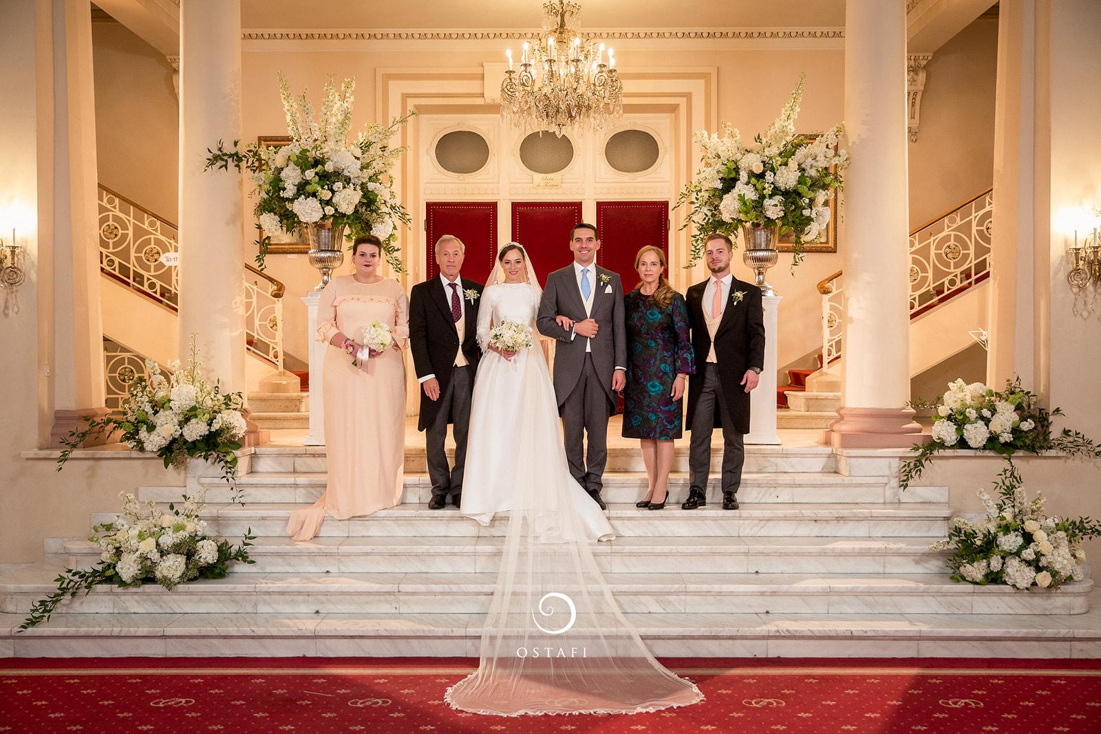 Primele Fotografii Oficiale De La Nunta Fostului Principe Nicolae Cu